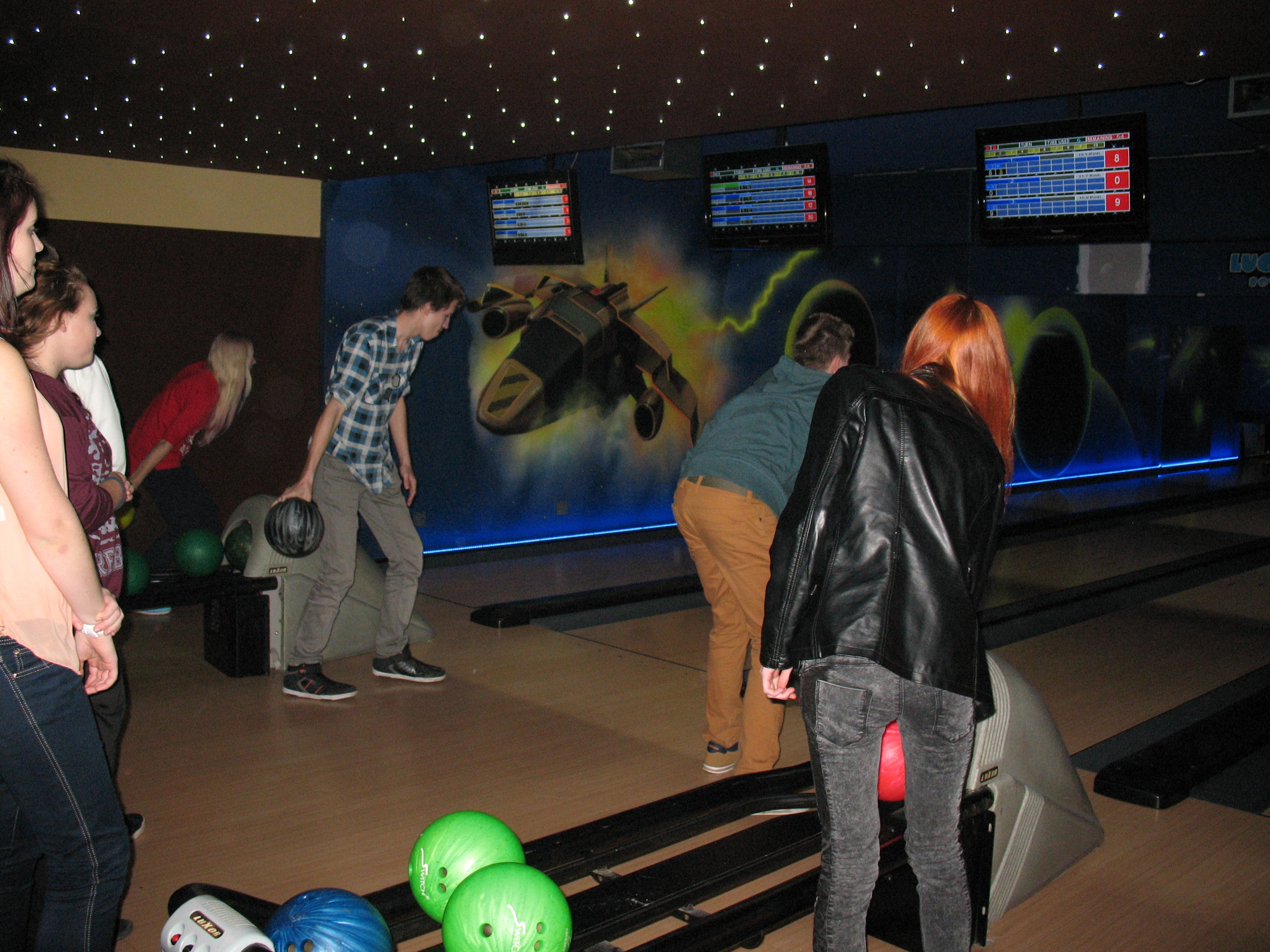 Planet-Bowling_3