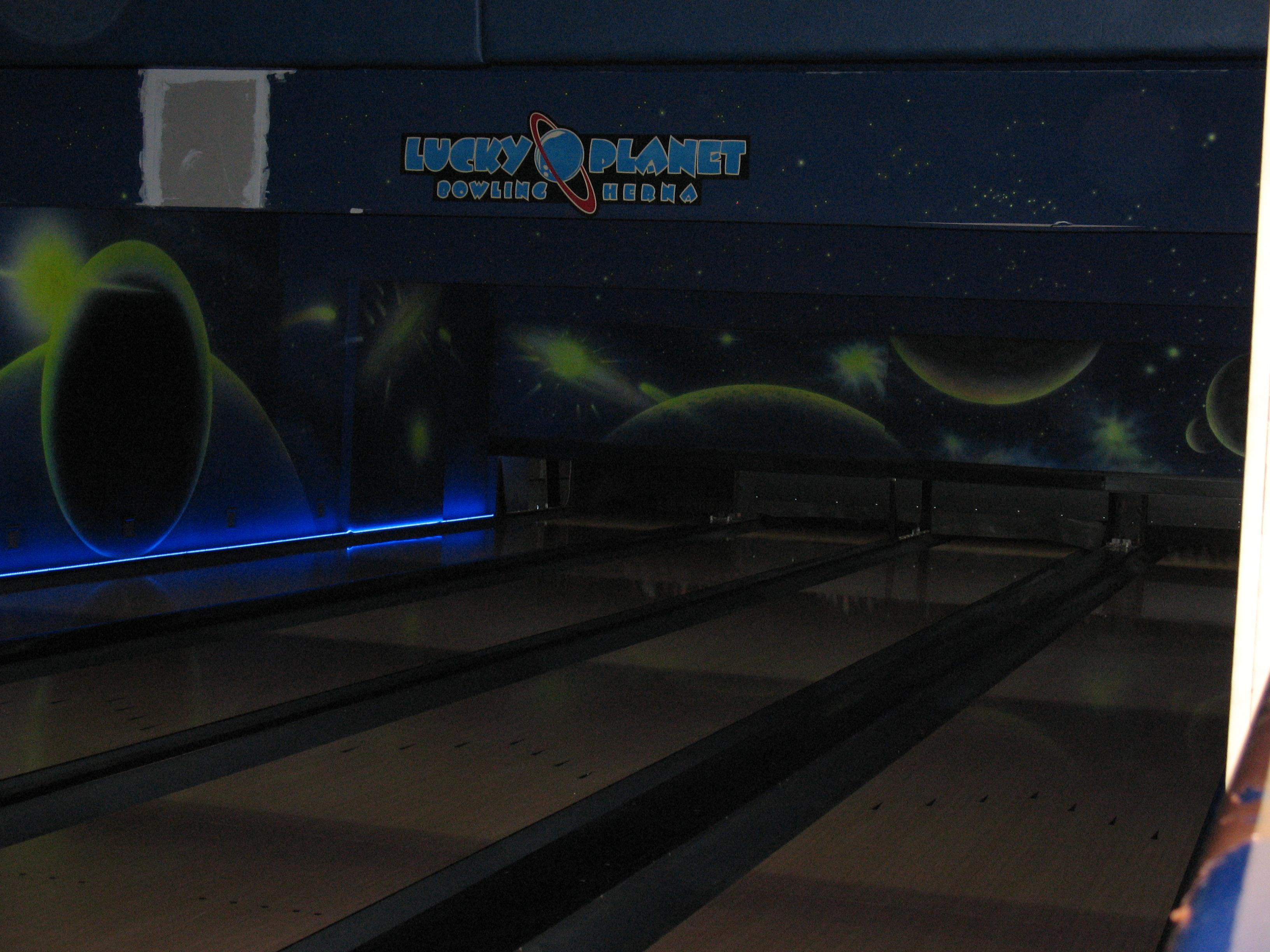 Planet-Bowling_1